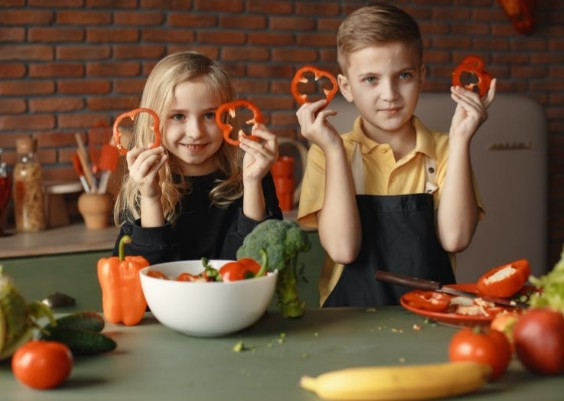 How to make your kids eat more vegetables and fruits