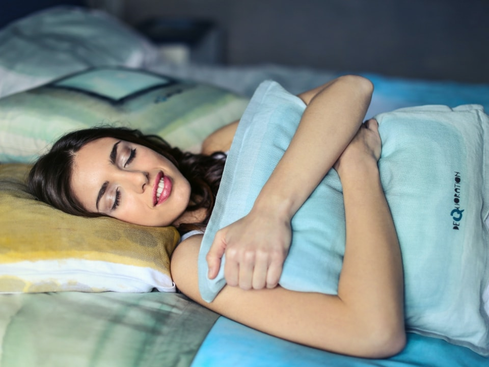 How to de-stress before bed for a peaceful sleep