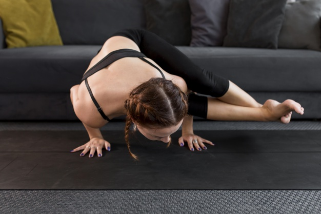 Intensity yoga to tone the abs